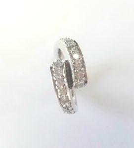 122 10007 - Diamond Bypass Ring